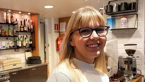 Nea Kankaanpää valmistui keväällä tarjoilijaksi Perhon liiketalousopistosta.