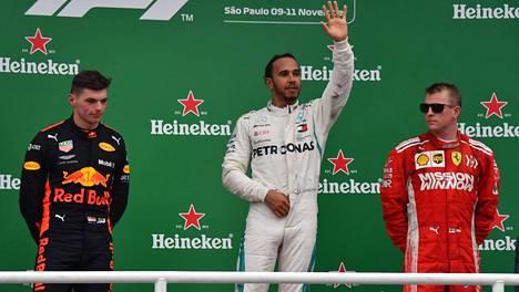 """Voiton menettänyt Max Verstappen raivon vallassa F1-kisan jälkeen: """"Toivottavasti en löydä nyt häntä!"""""""