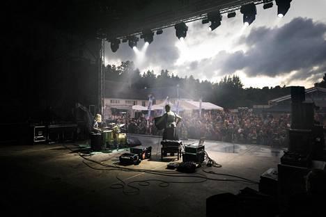 Kimmo Pohjonen esiintyi kesällä 2018 Viru Folkissa. Tänä kesänä festivaali järjestetään suppeammassa muodossa. Lavalle nousee muun muassa suomalainen Shaika Balalaika.