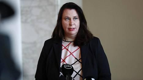 Perustuslakivaliokunnan puheenjohtaja Johanna Ojala-Niemelä eduskunnassa tänään.