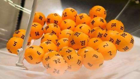 7 oikein -tulos toi lauantaina Lotossa 12 miljoonan euron päävoiton. Onnekas rivi pelattiin Lohjalla K-Market Puistokadussa.