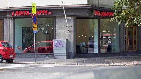 J. Rinta-Jouppi Oy:n ostotoimisto sijaitsee Helsingin Taka-Töölössä.