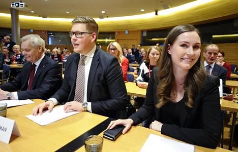 Antti Lindtman hävisi Antti Rinteen jättämän pääministeripaikan Sanna Marinille vuosi sitten. Nyt Marin yritti syrjäyttää Lindtmanin eduskuntaryhmän puheenjohtaja paikalta, mutta Lindtman ei suostunut.