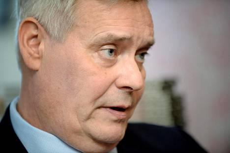 Antti Rinne ei usko sote-palvelujen ulkoistuksien merkittävästi lisääntyvän hallituksen mallin kaatumisen seurauksena, ja kuittaa sen vain Sipilän hallituksen pelotteluna.