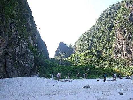 Phi Phin rannoilla näytti vuonna 2003 näin autiolta.