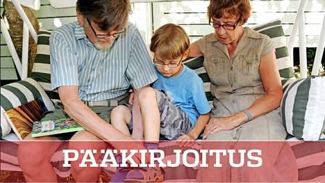 Isovanhempien rooli on noussut uuteen arvoon perheiden korona-arjessa.