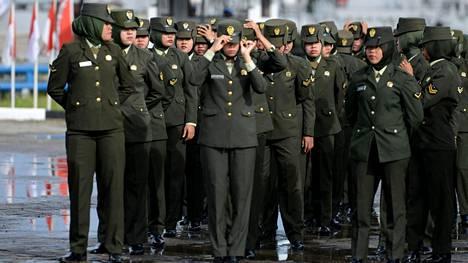 Jatkossa nais- ja mieskokelaille tehtävät tutkimukset ovat tasavertaisia, Indonesian armeija lupaa.