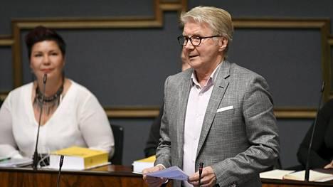 Vihreiden kansanedustaja Pirkka-Pekka Petelius eduskunnan kyselytunnilla Helsingissä 24. lokakuuta 2019.