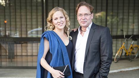 Eppu Salminen on ollut naimisissa käsikirjoittaja Kaisa Kuikkaniemen kanssa kanssa keväästä 2014.