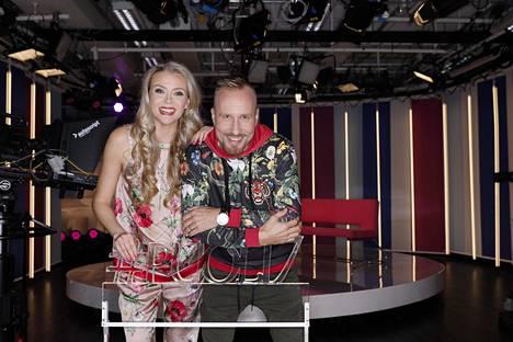 Susanna Laine ja Mikko Kekäläinen ovat luotsanneet Puoli seitsemän -ohjelmaa jo kuusi vuotta yhdessä.