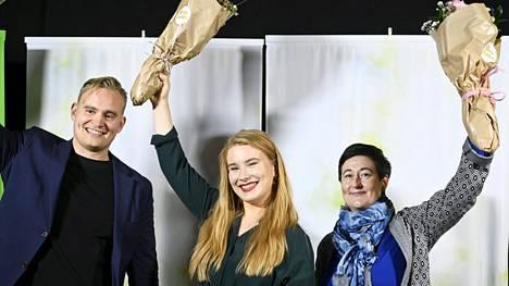 Vihreiden varapuheenjohtajiksi valitut Atte Harjanne, Iiris Suomela ja Hanna Holopainen vihreiden etänä järjestettävässä puoluekokouksessa Helsingissä 11. syyskuuta 2021.