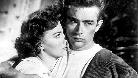 James Dean ja Natalie Wood Nuoressa kapinallisessa.