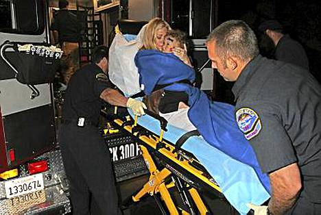 Jenna Jameson kiidätettiin tänään sairaalaan tuntemattomasta syystä.
