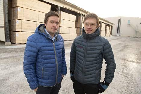Janne ja Jukka Vaara ovat jo neljännen polven sahayrittäjiä.