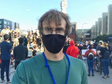 IS:n kirjeenvaihtaja Mikko Marttinen raportoi vaalien ennakkotunnelmista ja äänestyksen sujumisesta paikan päältä Yhdysvalloista.