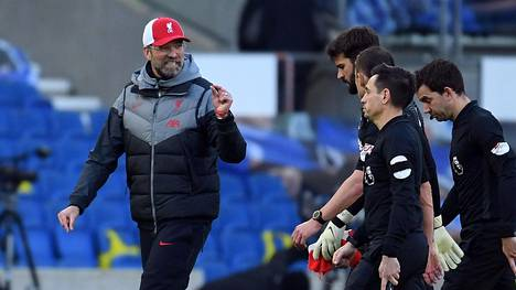Ottelun jälkeen Jürgen Kloppilla oli asiaa tuomareillekin.