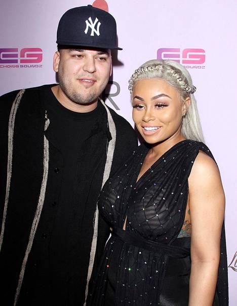 Rob Kardashian on taistellut oikeudessa hänen ja Blac Chynan 3-vuotiaan tyttären huoltajuudesta. Rob on hakenut yksinhuoltajuutta ja on syyttänyt ex-puolison käyttävän päihteitä ja olevan kelvoton lapsen huoltajaksi.
