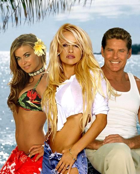 Carmen Electra näytteli Baywatchissa yhdessä muun muassa Pamela Andersonin ja David Hasselhoffin kanssa.