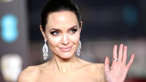 Angelina Jolie kertoo eronneensa lastensa turvallisuuden vuoksi.