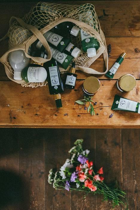 Ihonhoitosarjan tuotteiden tuoksu vie takaisin Ranskan-lomalle.