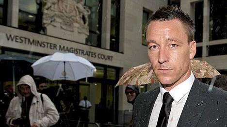 John Terry on oikeudessa syytettynä rasismista.