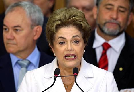 Dilma Rousseff syrjäytettiin puoleksi vuodeksi presidentin virasta.