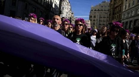 Mielenosoitukseen osallistui kymmeniätuhansia ihmisiä.