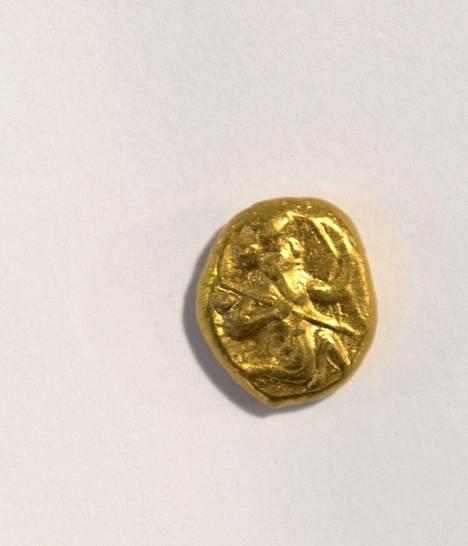 Persialainen kultaraha, noin 400-luvulta ekr. Arvo 1220 euroa.