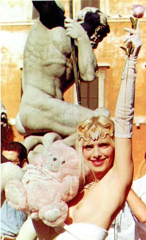 Cicciolina vuonna 1990.