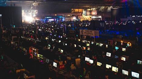 DreamHackeille saapuu jopa 10 000 ihmistä oman tietokoneensa kanssa.