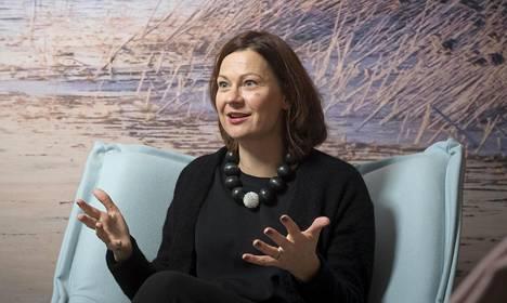 Turun kaupunginjohtaja Minna Arve on yksi Tunnin junan suuria puolestapuhujia.