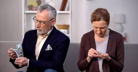 Suomalaiset avautuvat perheen erilaisista elintasoista Vauva.fi-palstalla. Aihe sai inspiraationsa Me Naiset -verkkosivuston artikkelista.