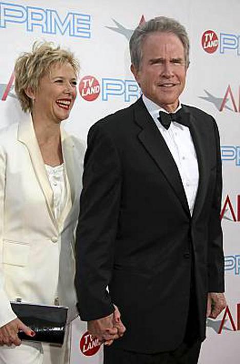 Annette Beningin kanssa naimisissa olevan Warren Beattyn väitetään kaataneeen ennätysmäärän naisia.