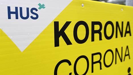 Koronatestin näytteenottopiste Helsingin ja Uudenmaan sairaanhoitopiirin HUS:in Meilahden sairaala-alueella Helsingissä 24. marraskuuta 2020.