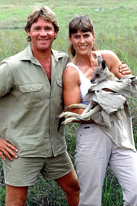 Steve ja Terri Irwin tulivat tunnetuiksi Krokotiilimies-ohjelmasta.