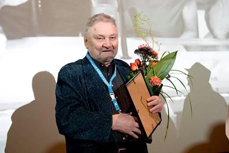 Jukka Virtanen palkittiin elämäntyöpalkinnolla Sodankylän elokuvajuhlien tiedotustilaisuudessa Helsingissä 28. helmikuuta 2017.