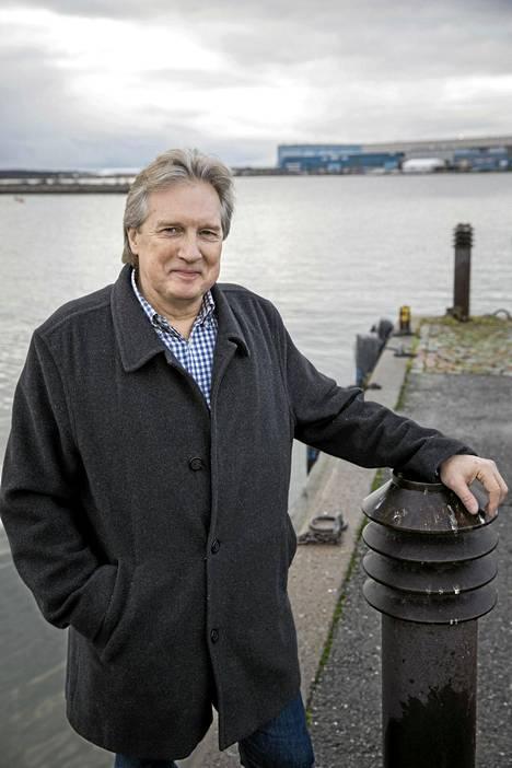 Tapio Tolvanen syntyi Australiassa ja muutti Suomeen 1980-luvulla.