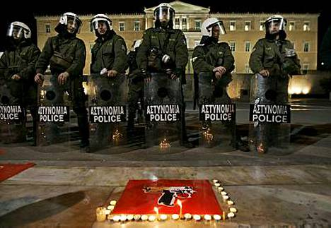 Kreikan radion mukaan viime yö oli rauhallisin viikonvaihteen jälkeen.