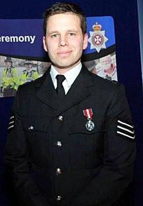 Poliisi Nick Bailey pääsi sairaalasta.