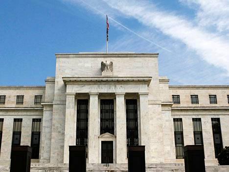 Federal Reserven rakennus Washingtonissa.
