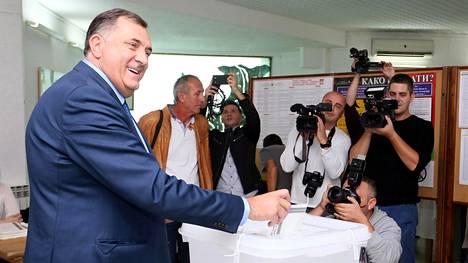 Milorad Dodik antoi äänensä Banja Lukassa 7. lokakuuta 2018.