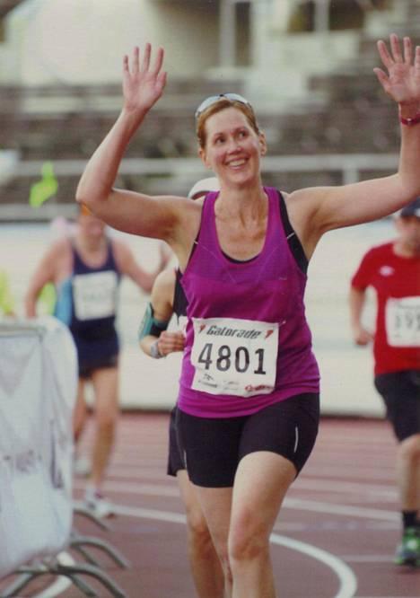 Haataisen ensimmäinen maratonjuoksu Helsingissä vuonna 2012.