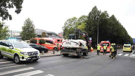 Onnettomuus tapahtui Hämeenpuiston ja Kauppakadun kulmassa maanantaina aamupäivällä.