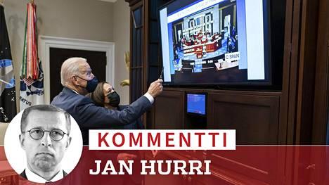 Yhdysvaltojen presidentti Joe Biden ja varapresidentti Kamala Harris seurasivat kongressin äänestystä elvytyspaketista.
