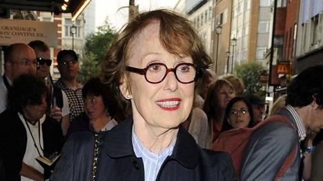 Una Stubbs teki pitkän näyttelijän ja esiintyjän uran.