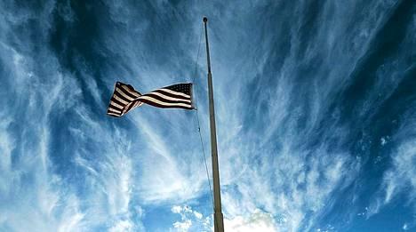 Texasin räjähdyksen uhreja on hiljennetty muistamaan eri puolilla osavaltiota.