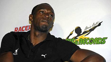 Usain Bolt (kuvassa) nostetaan Jamaikalla jo Bob Marleyn rinnalle.