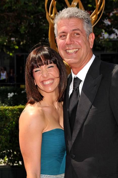 Anthony Bourdain ja hänen ex-vaimonsa Ottavia Busia kuvattiin yhdessä syyskussa 2009.