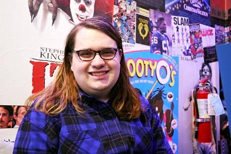 Alice Houston, opiskelija, 18
