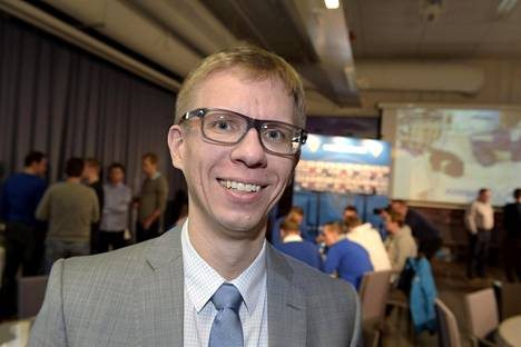 Yle Urheilun päällikkö on Panu Pokkinen.